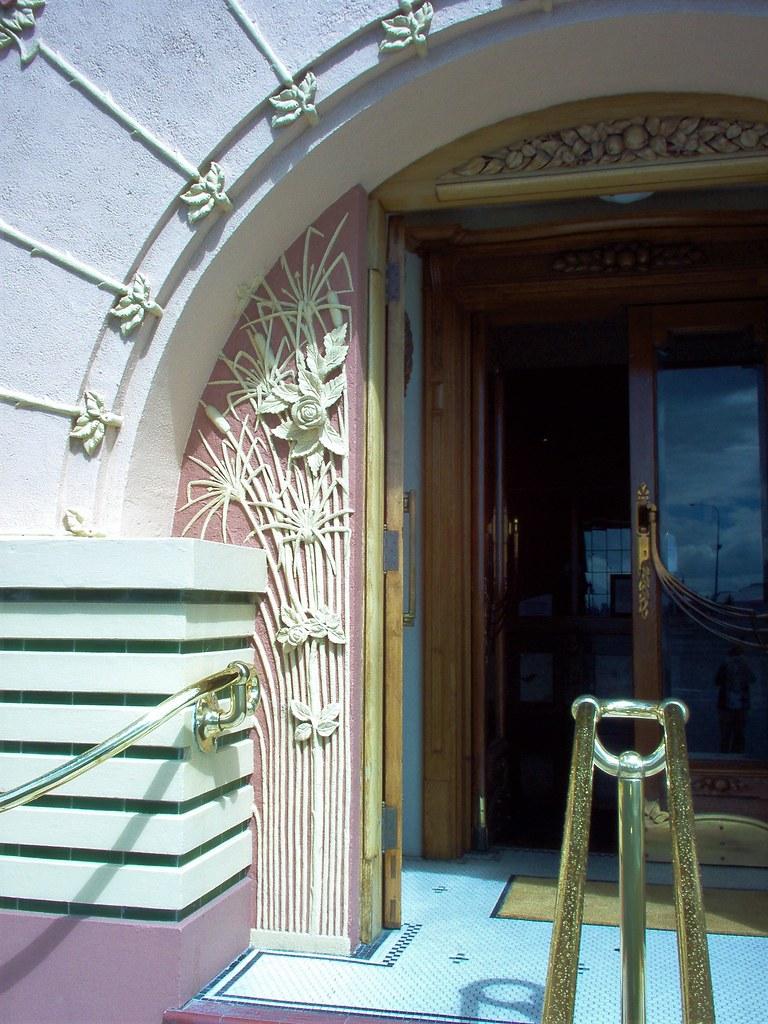 NAPIER ART DECO CITY OF NEW ZEALAND THE NATIONAL TOBACCO