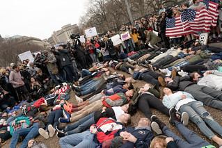 Student lie-in at the White House to protest gun laws | by Lorie Shaull