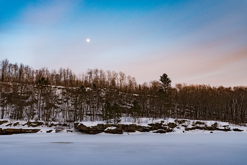 kettleriver minnesota robinsonpark moon river sandstone snow sunset winter unitedstates us