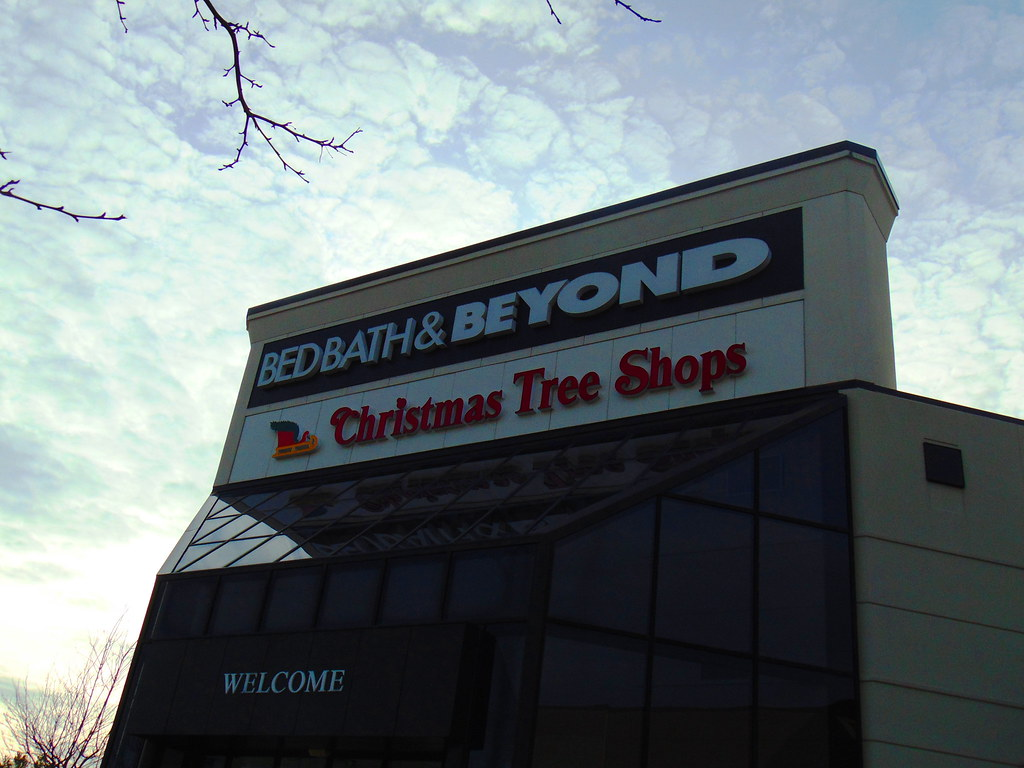 Bed Bath & Beyond/Christmas Tree Shops (Crystal Mall) | Flickr