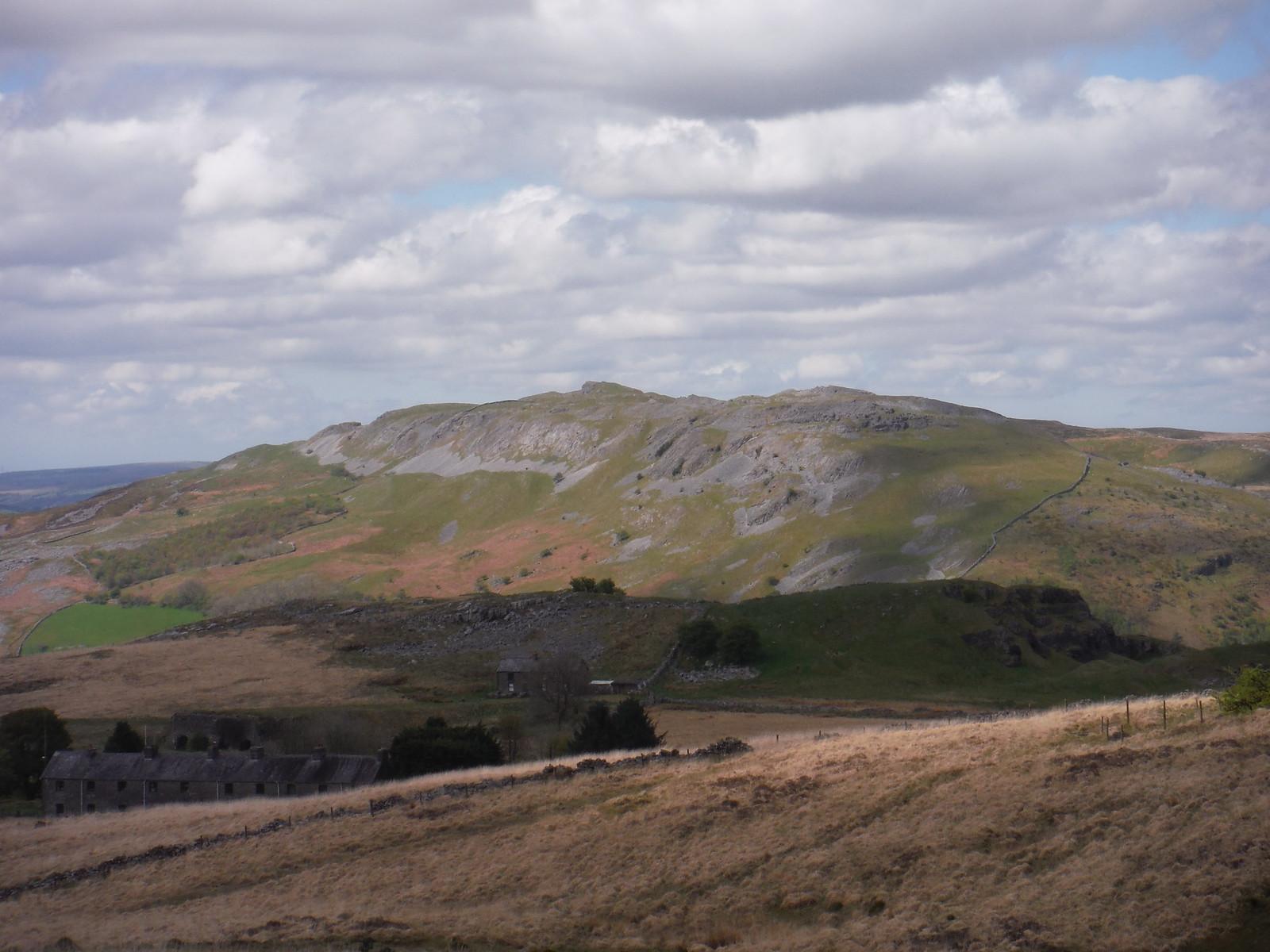 Cribarth Plateau, from Dismantled Tramway SWC Walk 307 - Fforest Fawr Traverse (Craig y Nos to Llwyn-y-celyn)