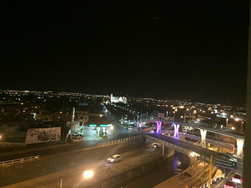 León Vista Nocturna