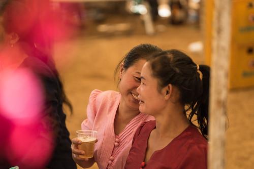 Dating Laos Gay dating webbplatser Kenya