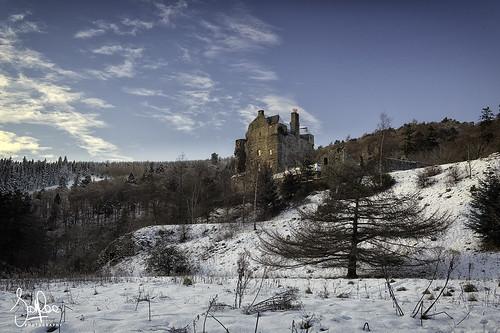 snow winter neidpath scotland tweeddale peebles castle scottishborders hills trees cold landscape building tower peeblesshire tweedvalley neidpathcastle
