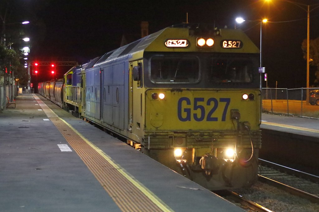 G527, XR551 'Norman W DePomeroy' 9055 by Greensleeves.94
