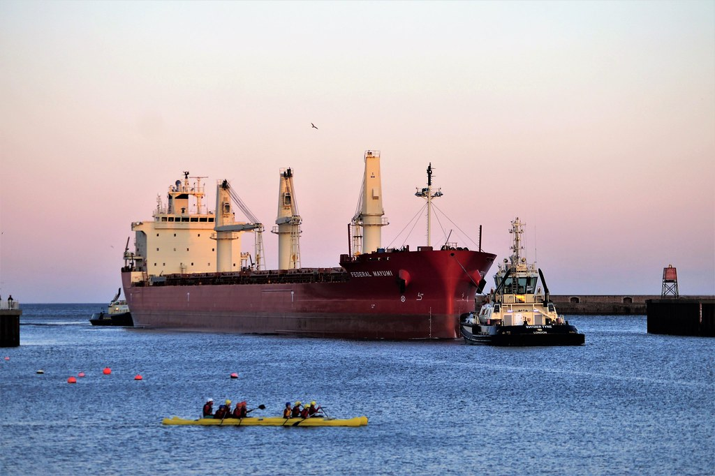 6 DSC06654 (2). Bulk Carrier Federal Mayumi entering River Wear, Port of Sunderland. Tugs Svitzer Tyne & Svitzer Sun assisting.