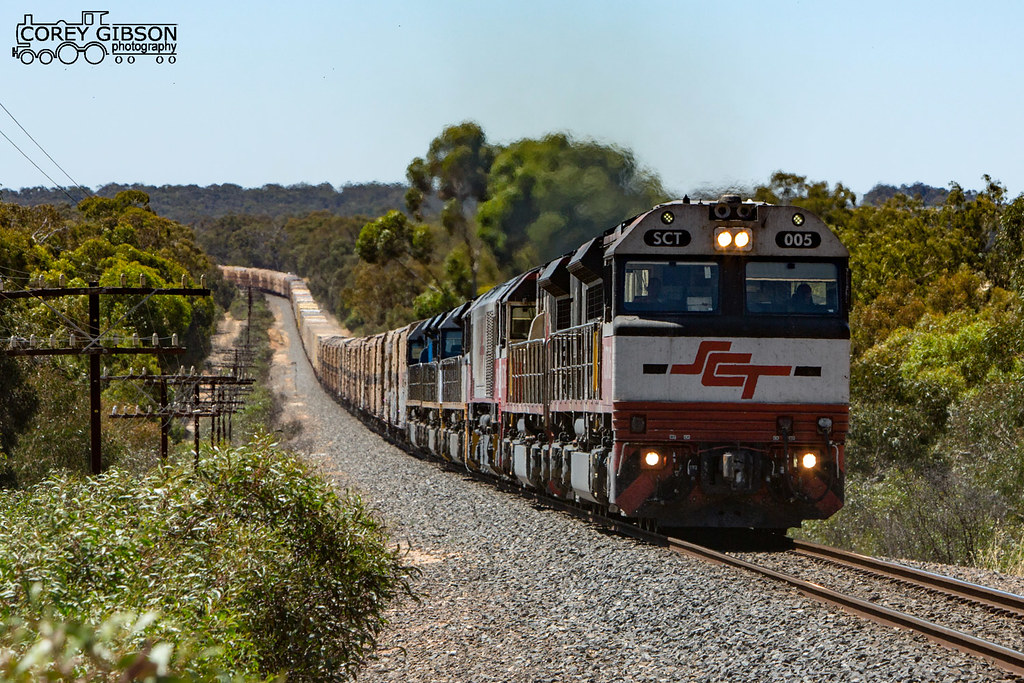 5PM9 with SCT005, SCT011, CSR004, and LDP002, LDP001 & LDP003 at Stawell Bank by Corey Gibson