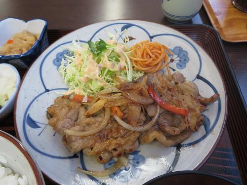 船橋競馬場グルメの寿美家の焼肉定食