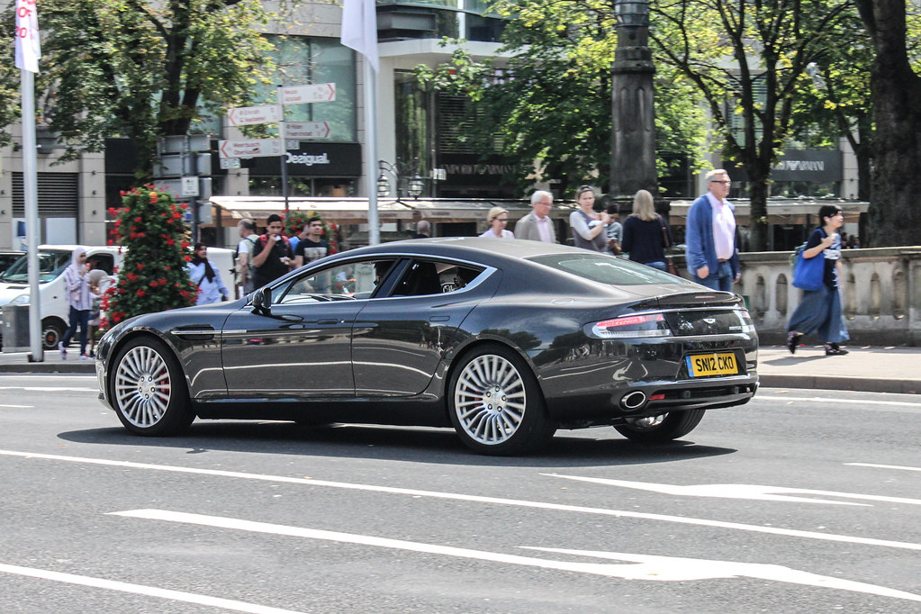 Gb Edinburgh Aston Martin Rapide Location Düsseldorf Flickr