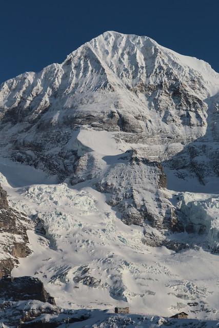 Mönch ( BE VS -  4'107 m - Erstbesteigung 1857 - Viertausender - Berggipfel Gipfel Berg montagne montagna mountain ) in den Berner Alpen - Alps im Kanton Bern und Wallis - Valais der Schweiz