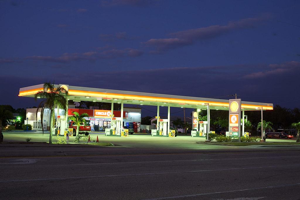 Shell Gas Station, Florida | hansziel99 | Flickr