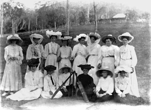 cricket womenscricket sportsteams womenssport queensland statelibraryofqueensland slq