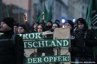 2018.02.17 Nordhausen - Fackelmarsch III. Weg und Proteste (120)
