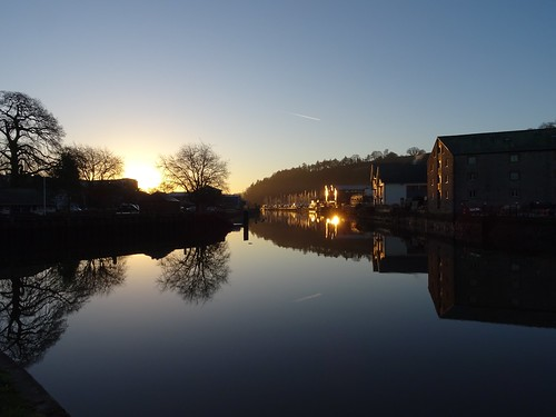 sky water sunrise light gold reflection vire island baltic wharf river dart totnes devon uk silhouette sonyflickraward