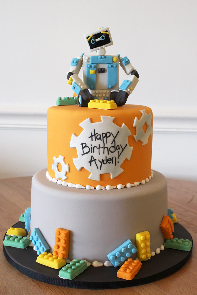 Swell Lego Robot Maker Birthday Cake Oakleaf Cakes Flickr Personalised Birthday Cards Epsylily Jamesorg