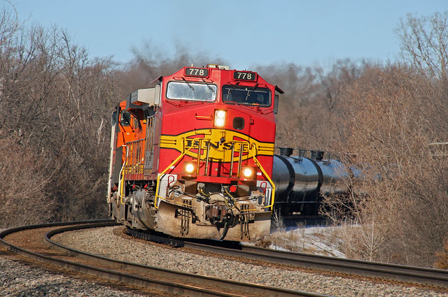 BNSF Warbonnet at Waterford Ave.