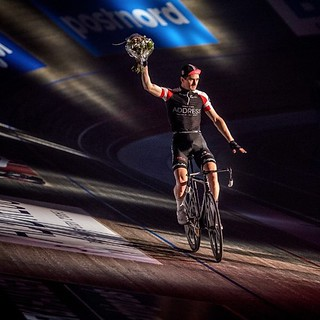Congratulations @hestermarc on 3rd place GC at @bilka_6dages Six Day Copenhagen 🙌 Magnificent photo by @drewkaplanphotography 👌👊  Riding #bespokechainrings #stealth #oilslick #track #chainrings #sixdays #copenhagen #velodrome #r   by bespokechainrings