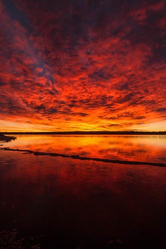 sunrise dawn daybreak beach lake reflections clouds lakechatfield chatfieldstatepark colorado landscape