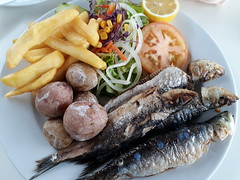 Sardines with Canary Potatoes and salad