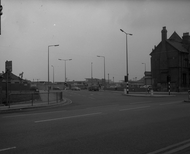 Negative No: 1969-2117 - Negatives Book Entry: 15-08-1969_Highways_Mount Road-Hyde Road Corner_View of Improvements