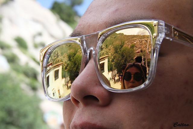 Reflection - sunglass - Tibet