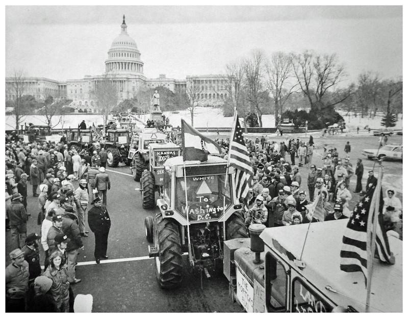Park tractors near U.S. Capitol demanding 100% parity: 1978