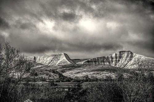 penyfan corndu mountain mountains wales welsh cymru breconbeacons nationalpark crag hill snow weather