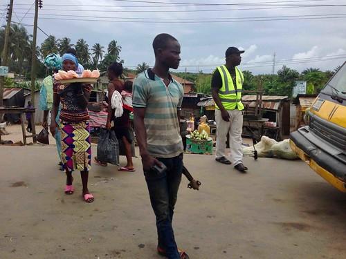 streetscene lagosbadagryexpressway lagosstate nigeria jujufilms streethawking streetfood culture photography people photojournalism