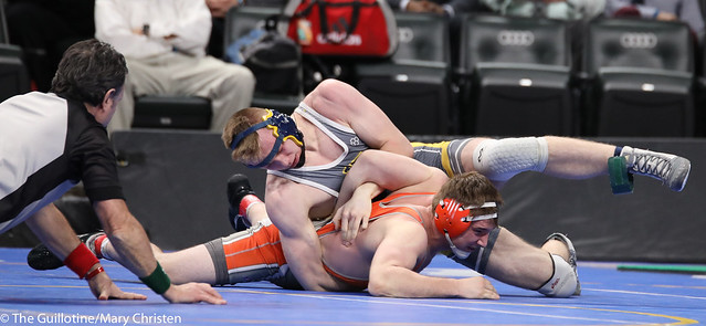 5th Place Match - Dylan Lentz (Columbia Heights) 34-6 won in sudden victory - 1 over Wyatt Martin (Marshall) 30-12 (SV-1 16-11). 180303BMC5992