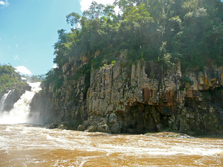 Columnar-jointed flood basalt (Serra Geral Formation, Lower Cretaceous; Iguazu Falls, Iguazu River, Brazil-Argentina border)