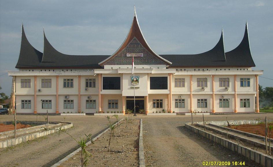 Hasil gambar untuk kantor bupati dharmasraya
