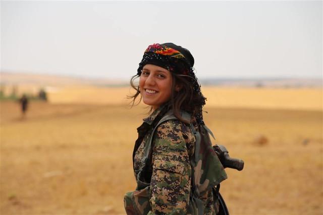 Efrîn Kurdistan e,Ji dijmin re goristane.