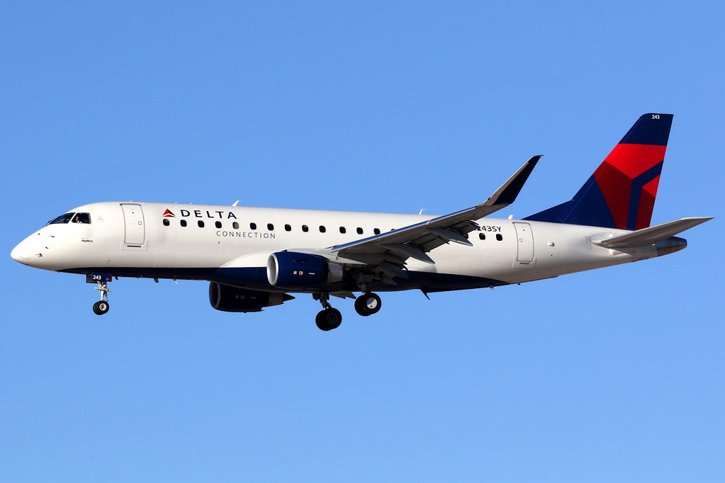 Delta Connection (SkyWest Airlines)   Embraer 175   N243SY