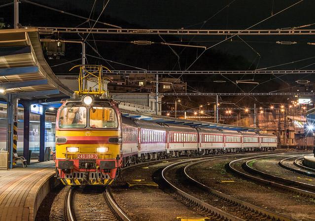 Night Lama | 240.068 | Os 3043 | Bratislava-Hlavná stanica