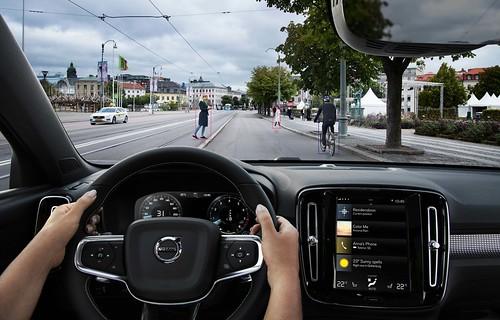 2019 Volvo XC40 Photo