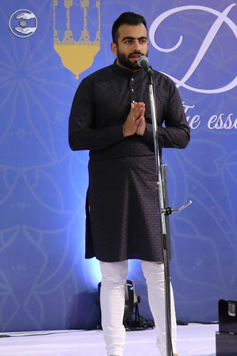 Ramit Chandna from Delhi expresses his views