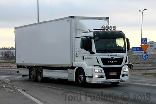 Kuljetusliike R. Kronlund Oy NKP-228   by puolatie95