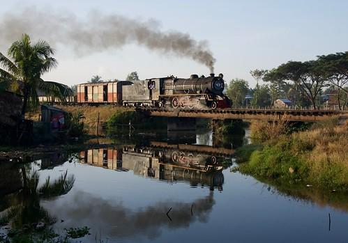 zinkyaik mon state burma myanmar asia steam engine locomotive reflection river train railway railroad rail bridge yd 282 967 farrail gassteam january 2018 transportation transport smoke