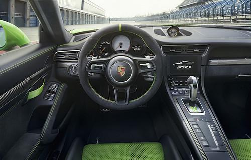 2019-Porsche-911-GT3-RS-interior Photo