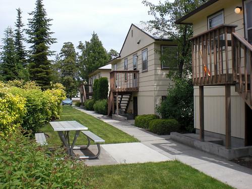 Park Point 200 2-BR Apartments