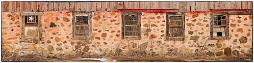wisconsinfarm farmwindows wisconsin pentaxk1 johnhenrygremmer oldbarns farming farminglife