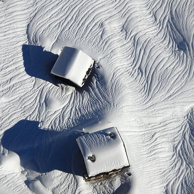 Chalets dans la neige