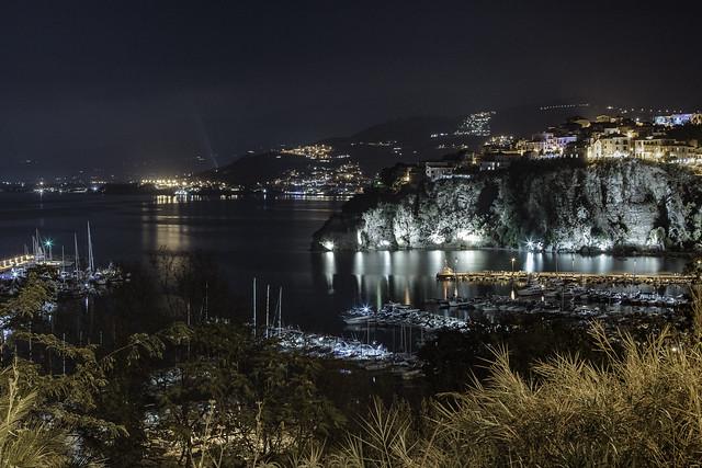 Agropoli - Panorama del porto e della Rocca