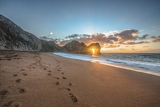 One of my personal favourite photos is #DurdleDoor,  at Winter Solstice pinners-photography.co.uk/shop/durdle-do… #WinterSolstice, #Dorset #Dorsetlandacapes #Dorsetwalks | by matt_pinner77