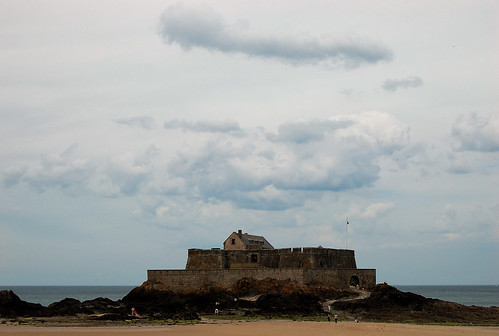 fort fortnational sky saintmalo bretagne architecture patrimoine tourisme travel voyage mer océan sea water clouds cloud france europe île nuages nuage sable plage yahoo google flickr françoistomasi tomasiphotography lights light lumière sombre dark reflex nikon photo photographie photography photoshop pointdevue pointofview pov digital numérique janvier 2018 breizh