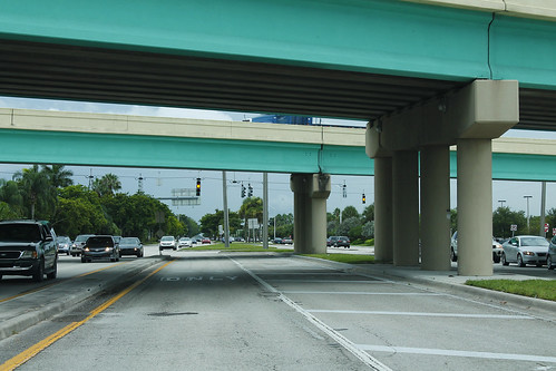 LyonsRoadSouth-ContraflowLeftTurnLaneForFL869North-Aug2013 | by formulanone