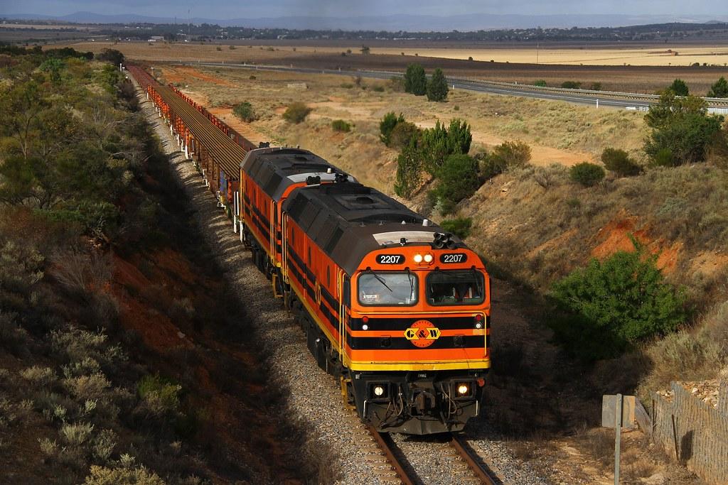 Rail on Rail by David Arnold