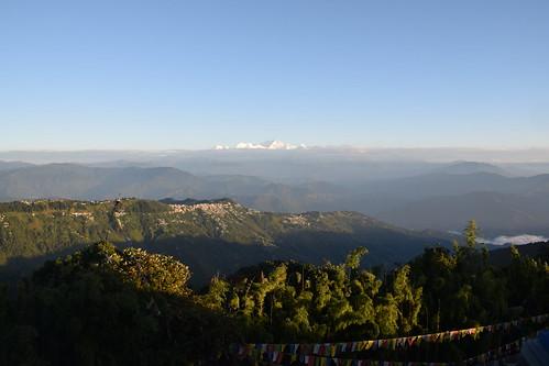 india asia autumn darjeelingdistrict gorkhaland sunrise tigerhill kangchenjunga sky skies skyline landscape clouds mist october outdoors cold hill hills himalayas d5300 nikon nature abovetheclouds hillside darjeeling town prayerflags morning mountain mountains sun northeast
