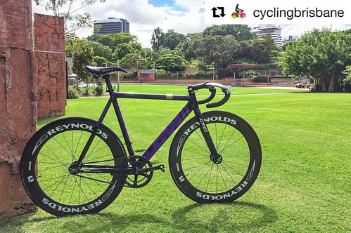 Cheers @cyclingbrisbane and @mattl_au 👊😎 . #repost @cyclingbrisbane with @repostapp ・・・ Track bikes (Fixed gear/fixed-wheel/fixies) are some of the most fun you can have on two wheels. The inability to coast makes you really think about t | by bespokechainrings