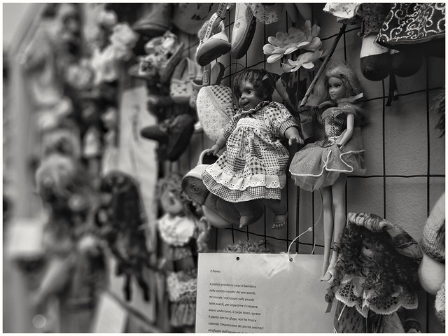The Wall of dolls, Casa di Alda Merini